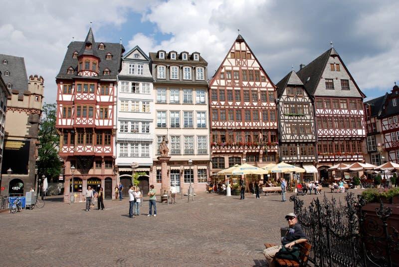 Römer Frankfurt på flodRhen arkivfoto
