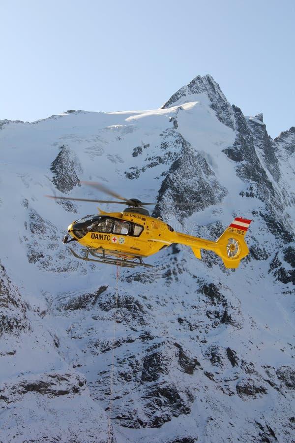 Räddningsaktionhelikopter arkivbilder