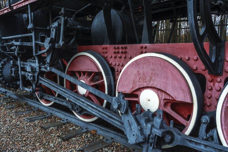 Räder der Weinlesedampflokomotive stockfoto
