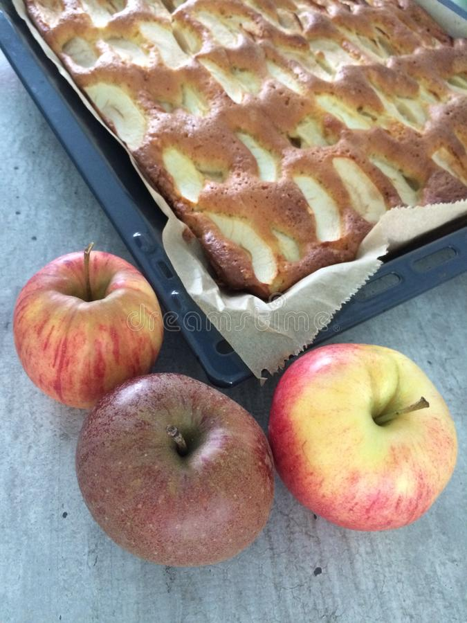 räknade geléskivor för äpple cake fotografering för bildbyråer