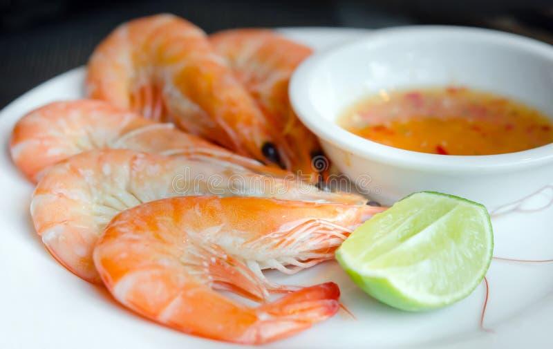 Download Räkor och kryddig sås arkivfoto. Bild av skaldjur, matlagning - 27275106