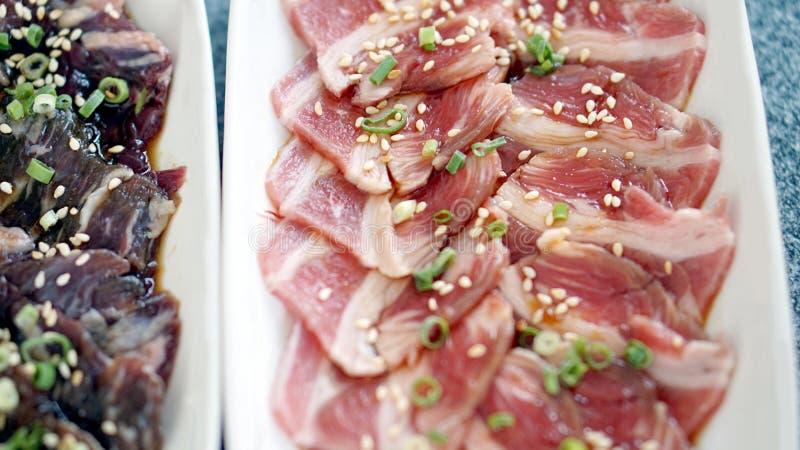 Rå nötköttskiva för grillfest eller yakiniku royaltyfri foto