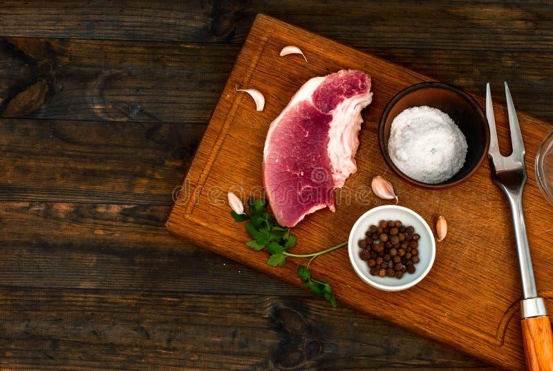 Rå Striploin för nytt kött biff royaltyfria foton