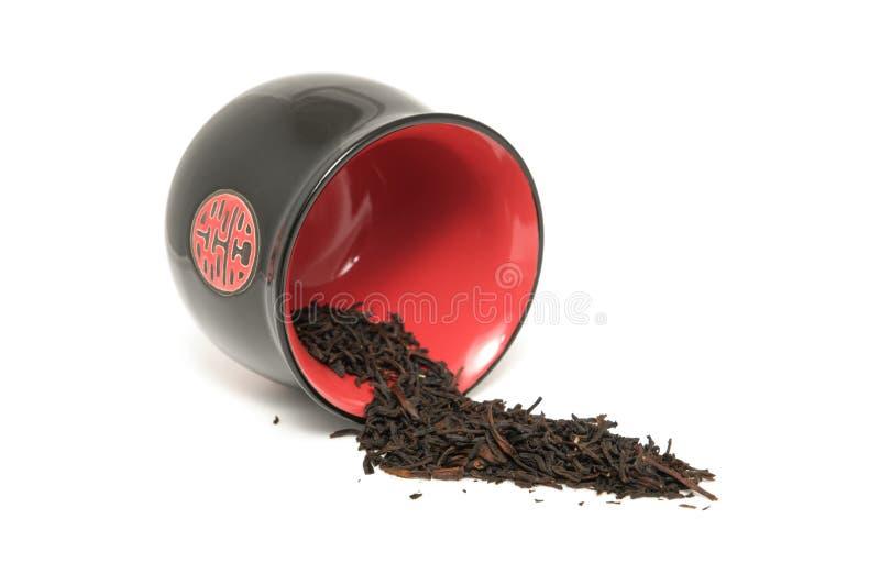 rå tea för svart kopp royaltyfria bilder