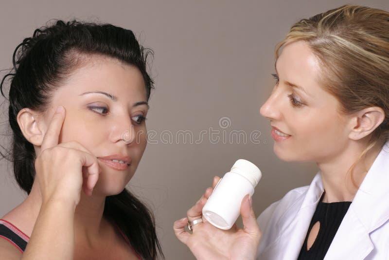 Download Rådgivningprofessionell fotografering för bildbyråer. Bild av pharmacist - 33149