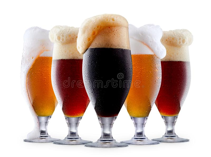 Råna samlingen av frostigt öl med skum arkivfoton