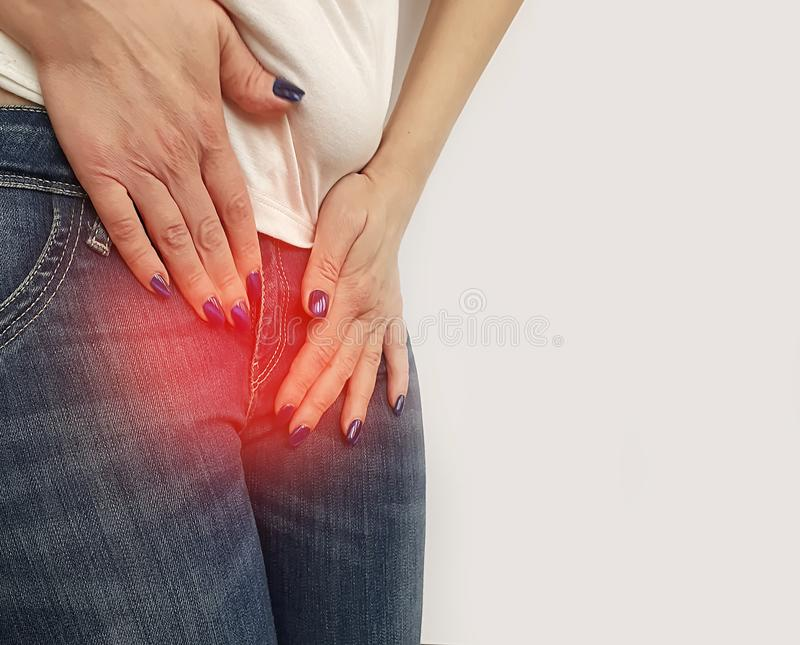 Règles de symptôme de femme, inflammation de cystite de cycle d'estomac photographie stock libre de droits