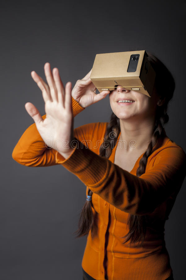 Réalité virtuelle de carton image libre de droits