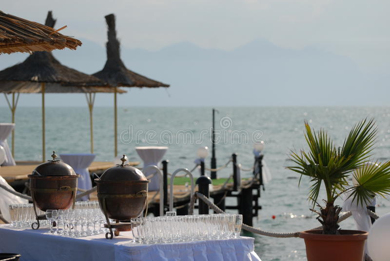 Réception de cocktail de bord de la mer photographie stock libre de droits