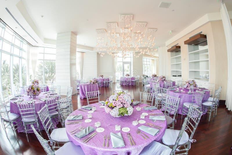 Réception de mariage luxueuse photographie stock