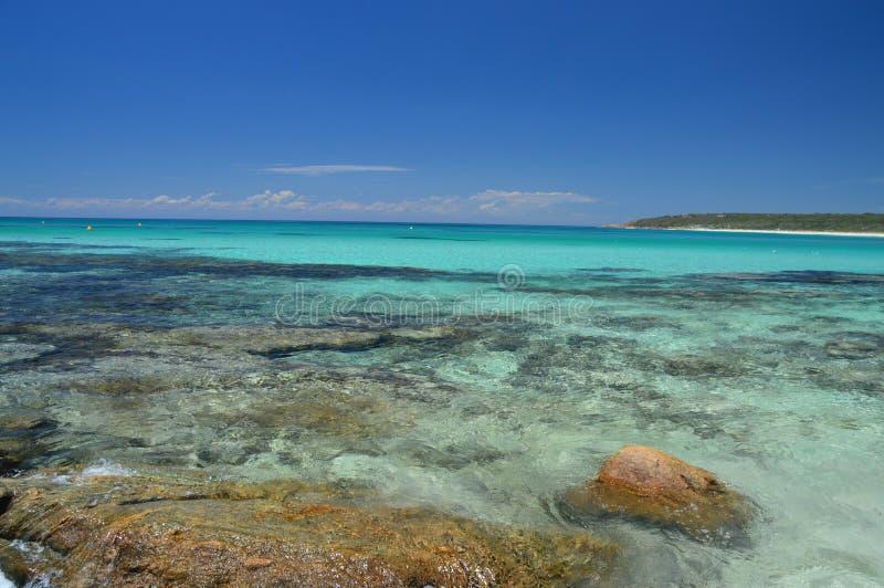 Récif et roches à l'Australie de commutateur de baie de soute image stock