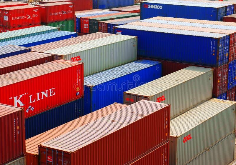 Récipient au dépôt de cargaison, Vietnam photo libre de droits