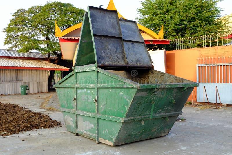 Récipient de déchets images stock