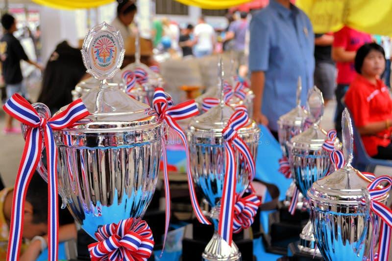Récompenses de flottement de lanterne chez Loy Krathong photos stock