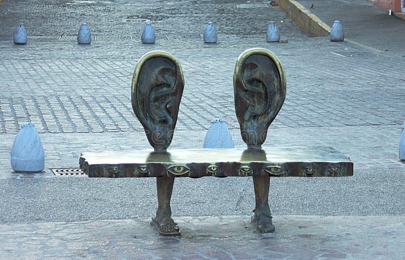 """Réduisez en fragments de la """"La Del Mar rotunda """", une sculpture en bronze sur le Malecon dans Puerto Vallarta photos libres de droits"""