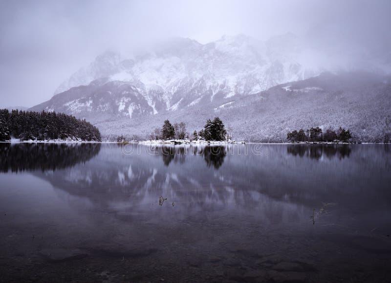 Réflexion d'hiver images libres de droits