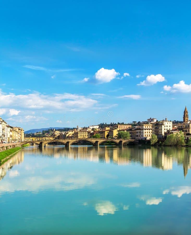 Réflexion de ciel à Florence image stock