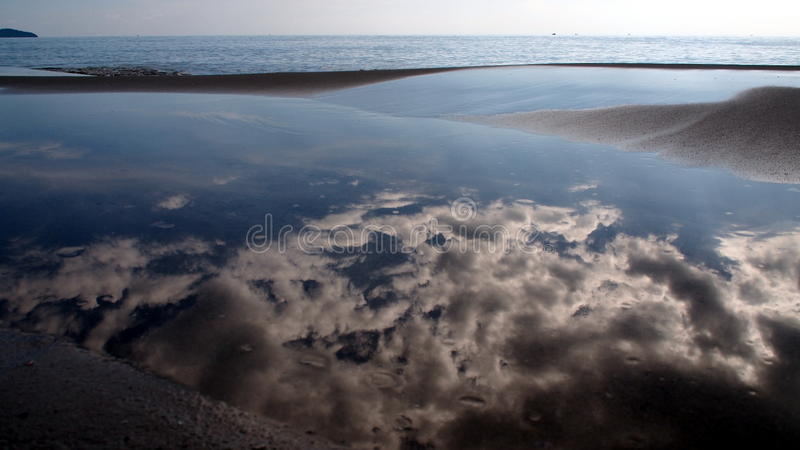 Réflexion de ciel photo libre de droits