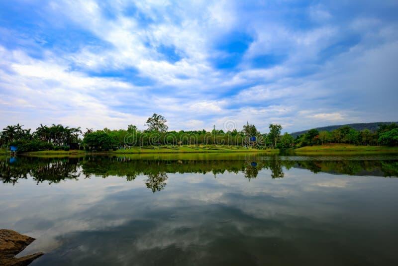 Réflexion de lac thailand photo libre de droits