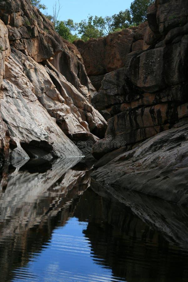 réflexion de stationnement national de kakadu de l'australie image stock