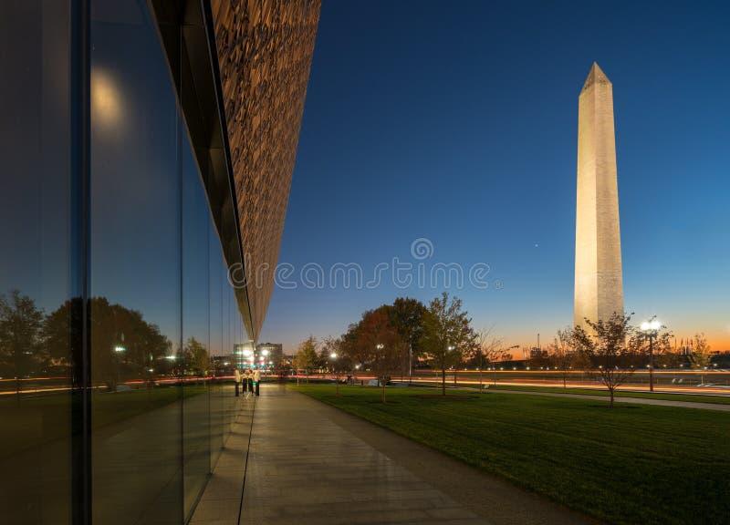 Réflexion de Washington Monument images libres de droits