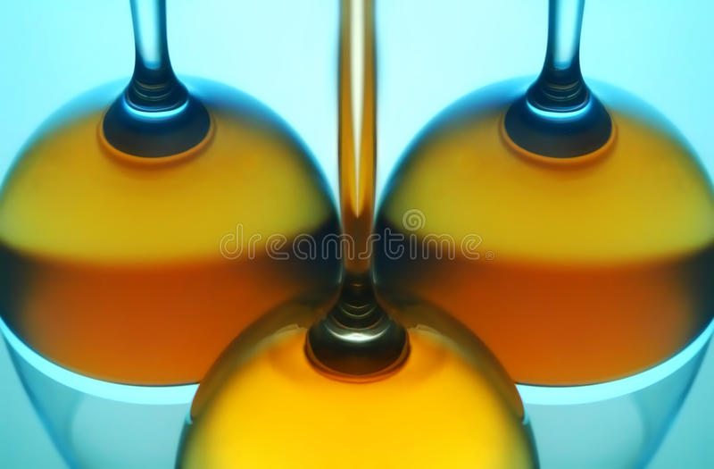 Réflexion en verre de vin photographie stock