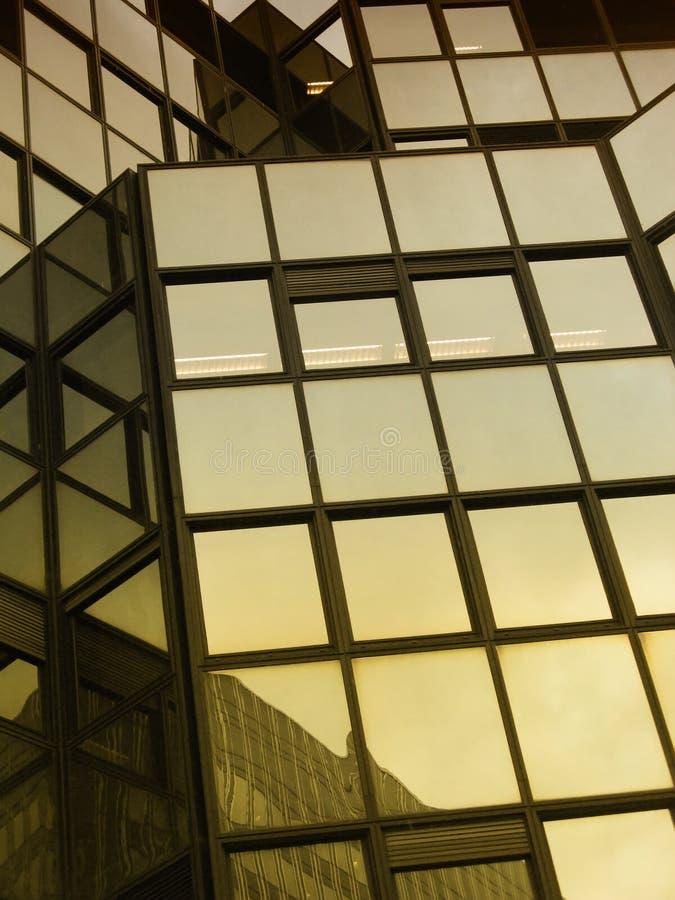 Réflexions de constructions images libres de droits