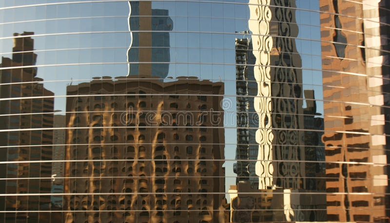 Réflexions des gratte-ciel photos stock