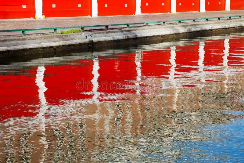 Réflexions sur l'eau images libres de droits