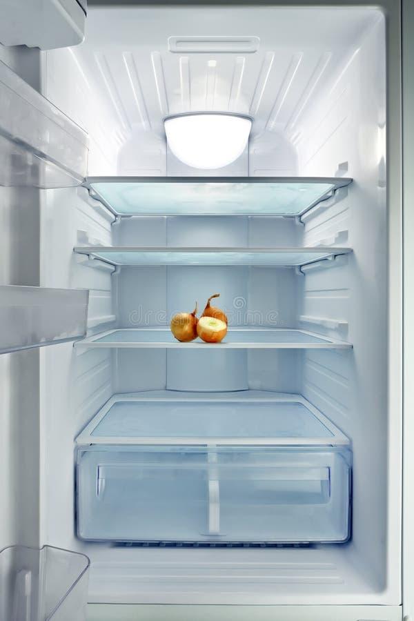 Réfrigérateur vide photographie stock