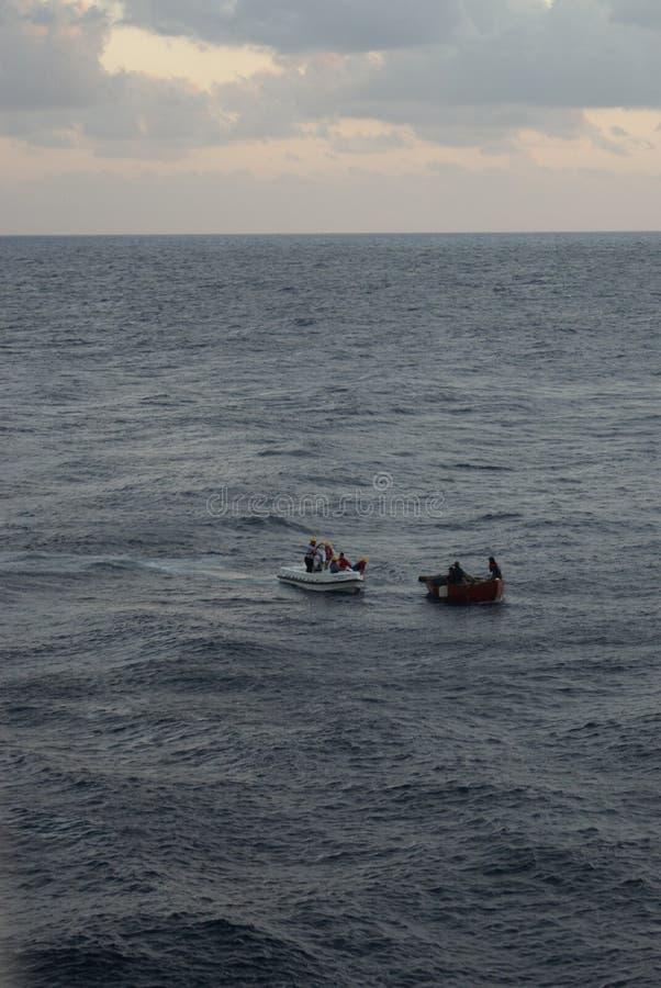 Réfugiés cubains étant enregistrés photos libres de droits