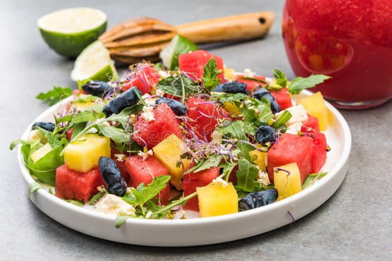 Régime alimentaire sain,Salade de pastèque fraîche d'été avec fromage Feta,cousine grecque photographie stock libre de droits