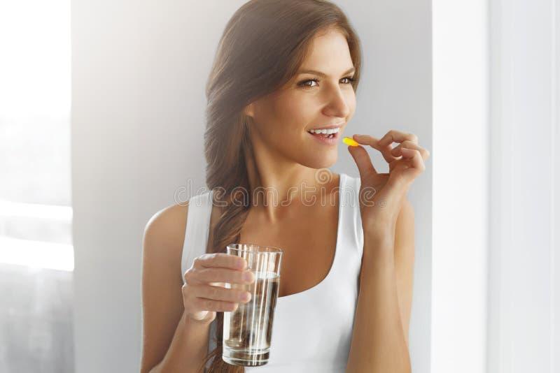 Régime sain nutrition Vitamines Consommation saine, mode de vie OE photo libre de droits
