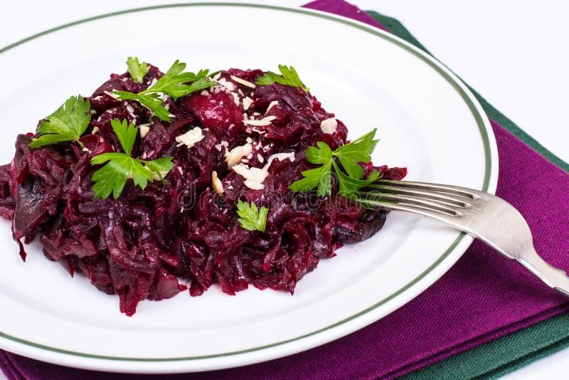 Régime sain Salade avec des betteraves photos stock