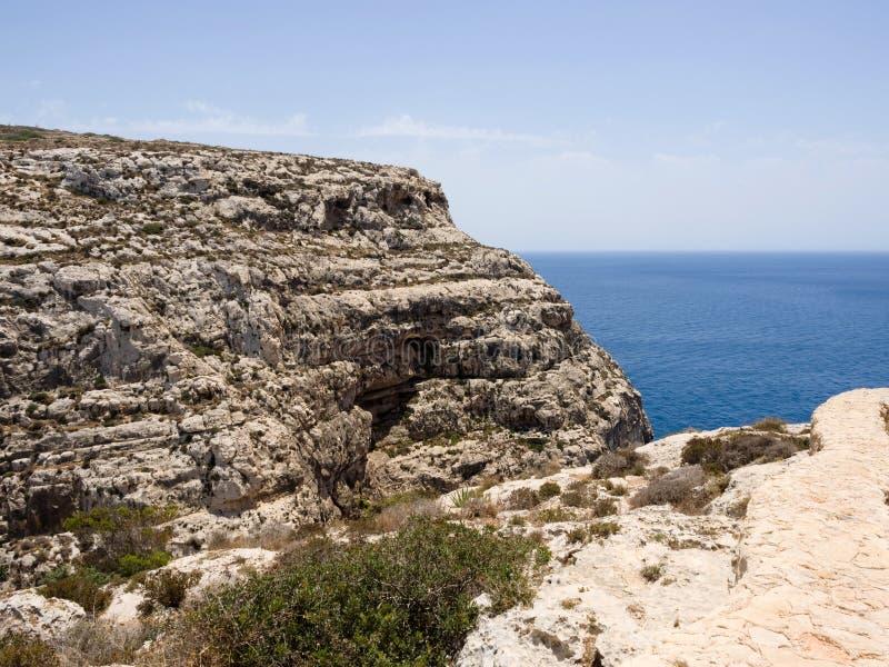 Région bleue de grotte dans Gozo, Malte image stock