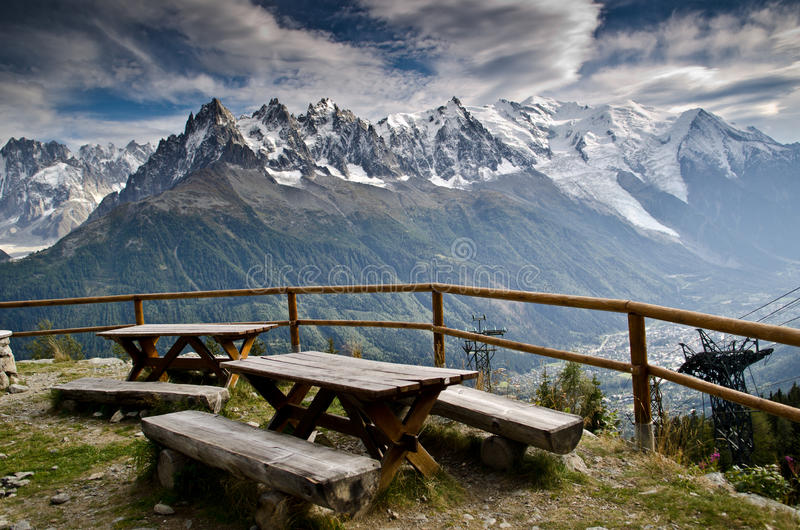 Région de pique-nique dans les Alpes français photos libres de droits