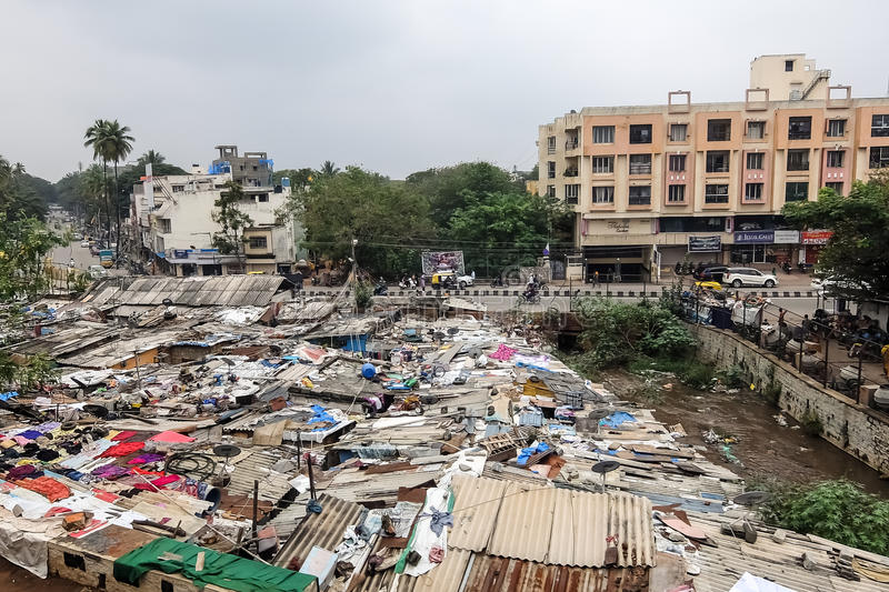Région de taudis à Bangalore, Inde photos stock