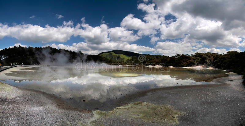 Région géothermique de Wai-o-Tapu image libre de droits