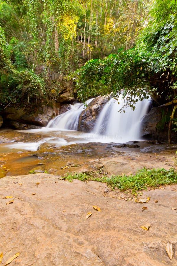 Région naturelle de cascade photos libres de droits