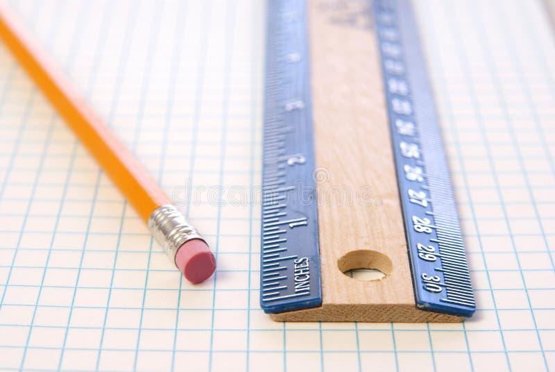 Régua e lápis imagens de stock