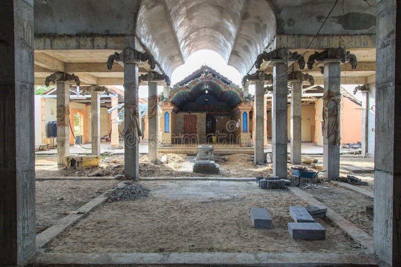 Rénovation de l'intérieur d'un Kovil sur l'île de kayts - Jaffna - Sri Lanka images stock