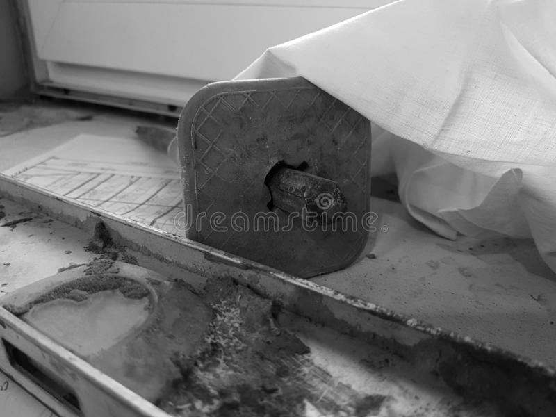 Réparation - bâtiment avec les outils et le marteau, burin, niveau de bâtiment image stock
