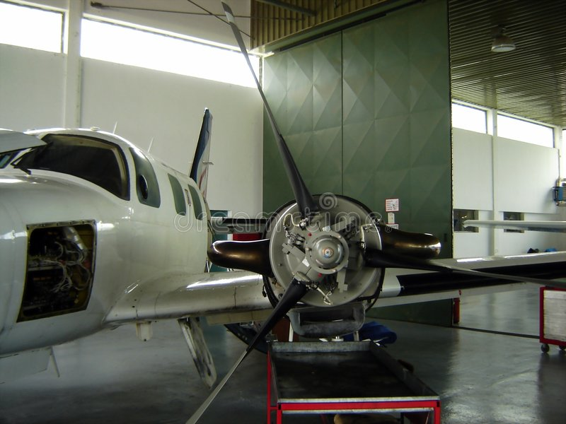 Réparation d'avion photo stock