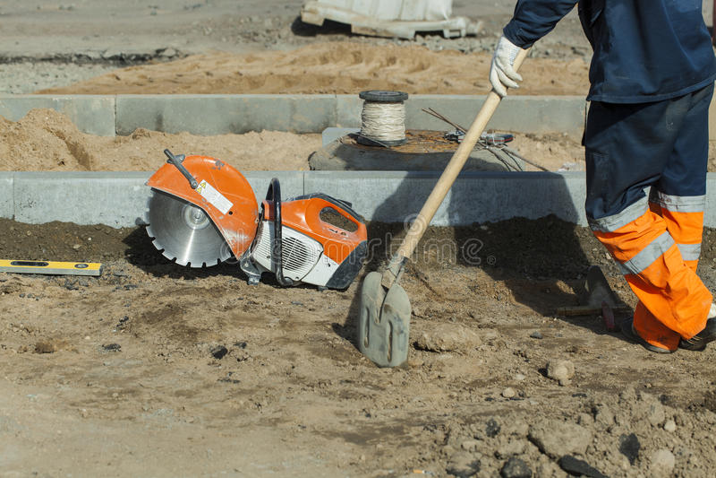 Réparation de matériel de construction de routes images stock