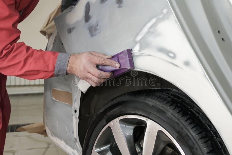 Réparation de voiture photos libres de droits