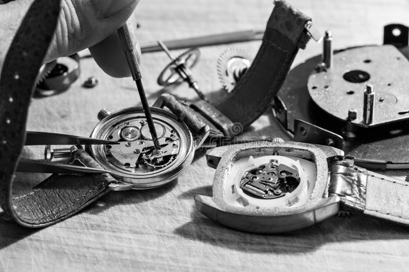 Réparation des montres photos stock