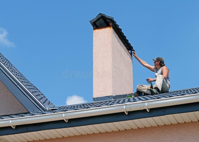 Réparation du toit photos libres de droits