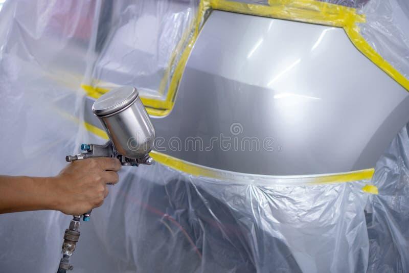 Réparation rapide de peinture de voiture, cela prend une à deux heures images libres de droits