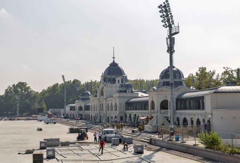Réparations dans la patinoire et le lac de canotage à Budapest, Hongrie image libre de droits