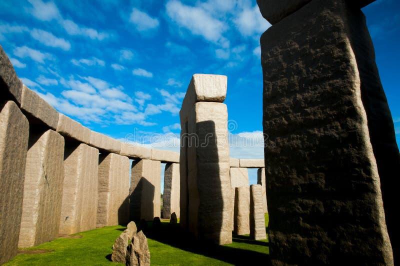 Réplica completa de Stonehenge imagens de stock